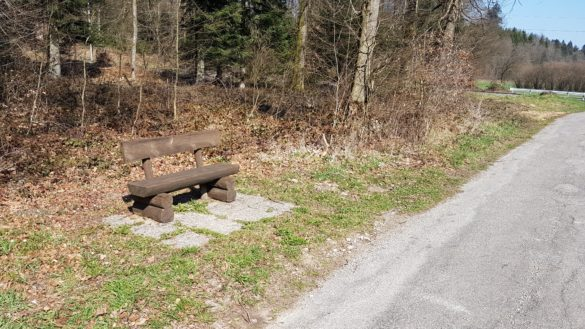 Sitzbänke in Bannwil